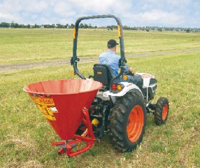 Daken Fertiliser Spreader